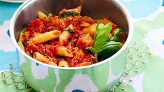 Tomaattinen tonnikalapasta - Yhteishyvä Penne, Pasta, My Cookbook, Easy Cooking, Dinner Tonight, Shrimp, Nom Nom, Cabbage, Yummy Food