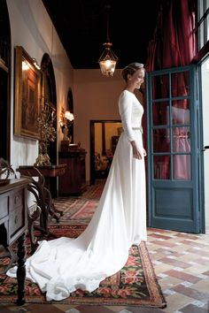Simple long sleeved wedding dress. More my style...