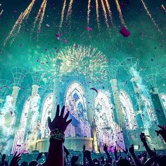 like I said , music festivals and edm are my fav kinds of concerts to go to they are filled with such amazing people, the best days of my lives have been at festvials Ultra Festival, Rave Festival, Edm Music, Dance Music, House Music, Music Is Life, A State Of Trance, Rave Gear, Electric Daisy Carnival