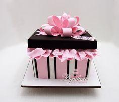All fondant present cake Hat Box Cake, Gift Box Cakes, Gift Cake, Cake Icing, Fondant Cakes, Cupcake Cakes, Pretty Cakes, Beautiful Cakes, Bolo Paris