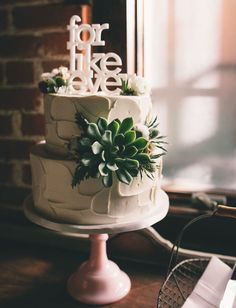 Boho doesn't have to be completely hippie-chic. This funny cake topper and…