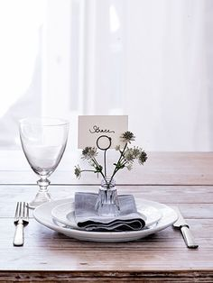 8 practically free Thanksgiving placecard holders
