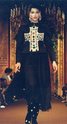 Znalezione obrazy dla zapytania fashion 90s christianity