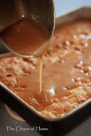 Apple with Caramel Cream Cheese Dip Gourmet Caramel Apples Caramel Apple Cake Thanksgiving Party Food Apple Recipes, Fall Recipes, Sweet Recipes, Apple Snacks, Poke Cakes, Cupcake Cakes, Rose Cupcake, Layer Cakes, Apple Poke Cake