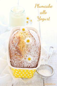 Plumcake allo yogurt fresco senza burro - ricettedelcuore Yogurt, Mud Cake, Bakery Cakes, Biscotti, Cake Pops, Cupcake Cakes, Cheesecake, Food And Drink, Pudding