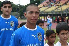 Atlético Venezuela tendió una mano a Breyan Hernández http://desdeelcemento.com/sitio/?p=13796