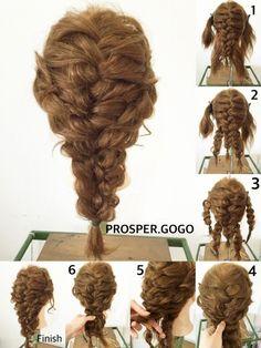 ①サイドの髪を残して、後ろを編み込みします。 ②襟足を左右に分けて、それぞれ三つ編みにします。 ③両サイドの髪も、それぞれ三つ編みします。 ④ ①で作った編み込みの編み目に通して、裏側をピンでとめます。 ⑤ ②で作った三つ編み3本を、更に三つ編みしてゴムで結んだら完成です♪*・゚ *編み込みが苦手な方は、①を三つ編みに変えてもOKです♪*・゚