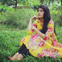 Reshmi Menon Beautiful HD Photoshoot Stills & Mobile Wallpapers HD Hd Wallpapers For Mobile, Mobile Wallpaper, Reshmi Menon, Tamil Actress Photos, Beautiful Women Pictures, Girls Dpz, Girl Photography Poses, Photo Wallpaper, Hd 1080p
