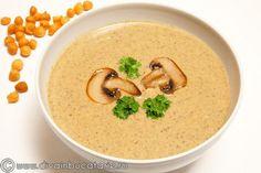 Supa crema de ciuperci este foarte buna, rapid de preparat, cu ingrediente putine, la indemana oricui.