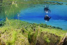 Silfra Lagoon, Thingvellir, Iceland © Wolfgang Pölzer