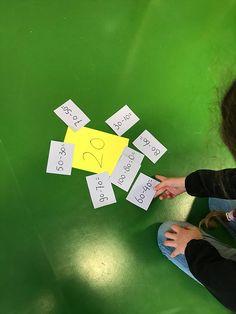 Rekenen met tientallen tot 100 | Juf Joycella 1st Grade Math, Grade 1, Second Grade, Hundreds Chart, Msv, Math Numbers, Math Classroom, Classroom Ideas, Elementary Education