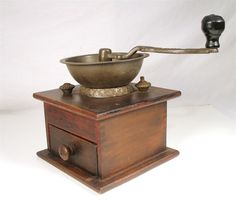ANTIQUE PARKER EAGLE HAND CRANK WOOD BOX HANDLE HERB COFFEE GRINDER MILL TOOL