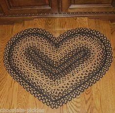 Braided HEART Throw RUG/Mat/Table Runner*Primitive Floor Decor*Black/Beige*NEW!