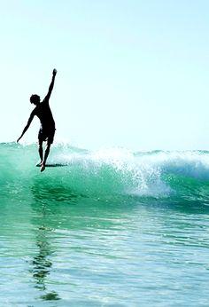 surf-fear:  photo by Woody GoochZye Norris