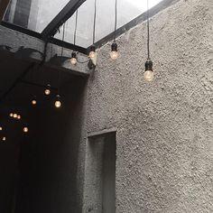 mysterious entrance #entrance #concrete #vsco #vscocam #lights