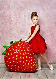 Photography Props, Children Photography, Alice In Wonderland Wedding, Candy Theme, Decoration Piece, Art Nouveau Design, Party Props, Clothing Hacks, Cafe Design