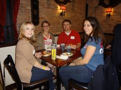 David Eccles School of Business Chicago area alumni networking and reconnecting with peers