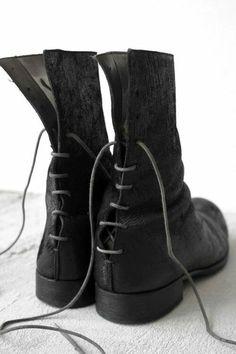 A+ maurizio amadei carpe diem, back lace boots ===== Fashion Mode, Dark Fashion, Fashion Shoes, Mens Fashion, Bootie Boots, Shoe Boots, Shoe Bag, Looks Style, My Style