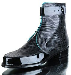 Carréducker, UK - Bespoke Shoes – crafthaus - Can I just say that this is exceptionally unique and may even cost an arm and leg? Mens Shoes Boots, Leather Boots, Shoe Boots, Patent Leather, Stylish Boots, Stylish Men, Formal Shoes, Casual Shoes, Shoes Style