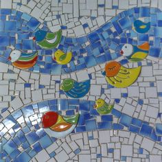Mosaic with adorable ducks. Mosaic Animals, Mosaic Wall Art, Pretty Cool, Home Improvement, Kids Rugs, Mosaic Ideas, Gaudi, Crafts, Inspiration
