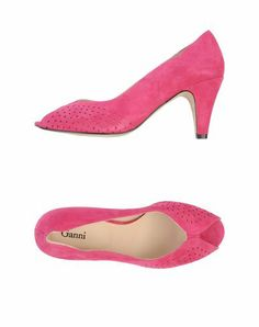 Also comes in bright pink - not sure I want to be that monochromatic, though.  GANNI - Pump