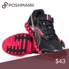 REEBOK ZIGNANO SNEAKERS ZIG WOMEN A pre-loved pair of Reebok shoes in a size 8 us. UK 5 1/2. EUR 38.5 Reebok Shoes Athletic Shoes