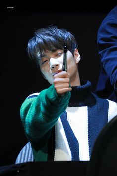 171024 #NUESTW #Jonghyun @YONGSAN FANSIGN <3 angel