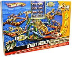 Hot Wheels - Trick Tracks Stunt World. Includes 8 vehicles and 10 stunts.
