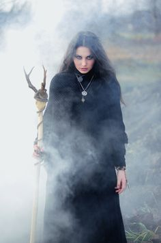 Solitary Witch Priestess Dark of the Moon Witchcraft Pagan Magick Spell Craft Witchery Wiccan, Magick, Conquest Of Mythodea, Dark Side, Maleficarum, Foto Portrait, Cosplay Costume, Arte Obscura, Witch Craft
