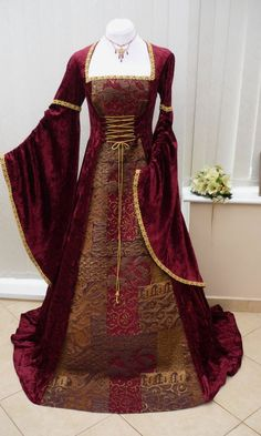 Renaissance 8 The rich red color, those famous jewel tones they had back in the day. Renaissance 8 The rich red color, those famous jewel tones they had back in the day. Medieval Gown, Renaissance Costume, Medieval Costume, Renaissance Fashion, Renaissance Clothing, Medieval Wedding, Fantasy Dress, Fashion History, Pretty Dresses