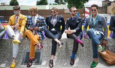 Pitti Uomo, terre sainte de l'élégance-Mode Masculine - Spicy Lips Mode Masculine, 2016 Fashion Trends, Fashion Bloggers, Italian Men, Hommes Sexy, Men Street, Gentleman Style, Jacket Style, Colorful Fashion