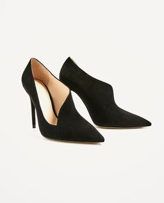 New Zara Asymmetric Leather High Heel Shoes Sz 9 Second item ships free Leather High Heels, Patent Leather Pumps, Leather Shoes, High Heel Pumps, Shoe Boots, Shoes Heels, Shoe Bag, Expensive Shoes, Shoes Too Big