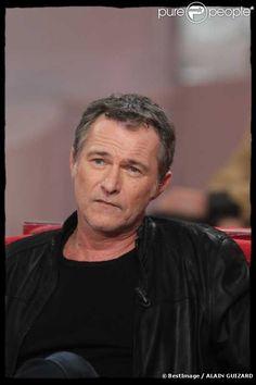 Bruno Wolkowitch est un acteur français, d'origine polonaise né le 10 mai 1961 à Paris, dans le XIe arrondissement.    Bruno Wolkowitch est issu d'une famille d'origine juive polonaise. Fils d'un tailleur, devenu expert-comptable, et d'une esthéticienne devenue assistante en dermatologie ,