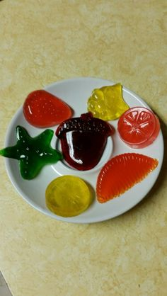 1 box sugarfree jello 2 packages gelatin cup water Disolve jello and gelatin in water Pour into mold Let set up min) Unmold and enjoy. Recipe from Six sisters stuff. Sugar Free Jello, Jello Recipes, Gelatin, Easy Peasy, Candies, Sisters, Cooking, Box, Water