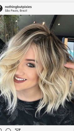 Latest Short Blonde Hair Ideas for 2019 Featuring the Latest haircuts and hairstyles for all seasons. Latest Short Blonde Hair Ideas for Blonde Highlights Short Ombre Hair Color, Hair Colour, Ombre Hair Bob, Lob Ombre, Blonde Color, Short Hair Cuts, Short Pixie, Pixie Cut, Summer Short Hair