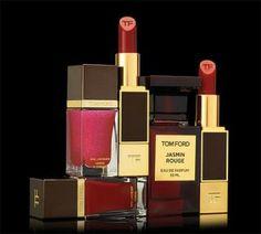 La dernière gamme de cosmétiques Tom Ford sortie à l'occasion des fêtes nous emmène dans un l'univers chic de la femme fatale