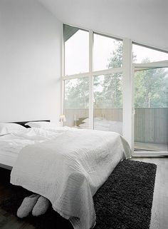 more minimalist design inspiration and goods delivered to you quarterly @ http://www.minimalism.co #minimal #minimalist #minimalism #style #design #bedroom #decor #interiors