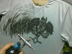 personalizada em camisetas air brush