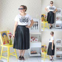 Feriadinho pede conforto, né? Pensando nisso, o look de hoje tem #tenis e #tshirt de 😺 #1peça5looks #mood #bgbfbloggers #boanoite #feriado #cat #midi #bsbfashionig #modait #ootd #dujour #lookdodia #lookoftheday #brasilia #outfit #ootn #shoes #blogger #blog #FashionBlogger #fashionstyle #style #moda #streetstyle #look #dodia #365looksx2 #bloggers