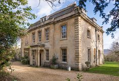 I am having some serious heart palpitations over this absolutely breathtaking Georgian villa in Bath, Somerset, England. Architecture Classique, Georgian Architecture, Classical Architecture, Architecture Details, English Architecture, English Manor Houses, English House, Cottages Anglais, Georgian Style Homes