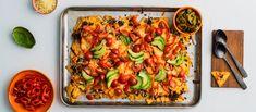 Superhelppo nachopelti onnistuu mainiosti Härkiksestä! Ota lapset mukaan pilkkomaan kasviksia ja levittämään dippejä pellille. Noin 4,40€/annos.* Tex Mex, Kung Pao Chicken, Mozzarella, Cheddar, Pasta Salad, Hot, Ethnic Recipes, Red Peppers, Crab Pasta Salad