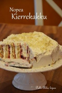 Nopea kierteinen täytekakku Finnish Recipes, Vanilla Cake, Oven, Brunch, Food And Drink, Cooking Recipes, Sweets, Baking, Eat