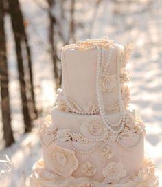 Vintage/Victorian wedding cake