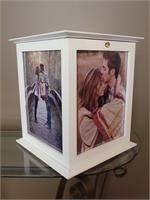 The Perfect Card Box! Great way to display photos & collect cards safely! http://theperfectcardbox.com/