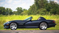 Viper Car, Dodge Viper, Us Cars, Race Cars, My Dream Car, Dream Cars, Convertible, Cute Dragons, Truck Wheels