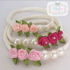 7 Absolutely Beautiful and Adorable DIY Flower Crown Ideas - Hair Clips Ideas Diy Baby Headbands, Diy Hair Bows, Diy Bow, Ribbon Hair, Baby Bows, Satin Ribbon Flowers, Ribbon Bows, Fabric Flowers, Satin Ribbons