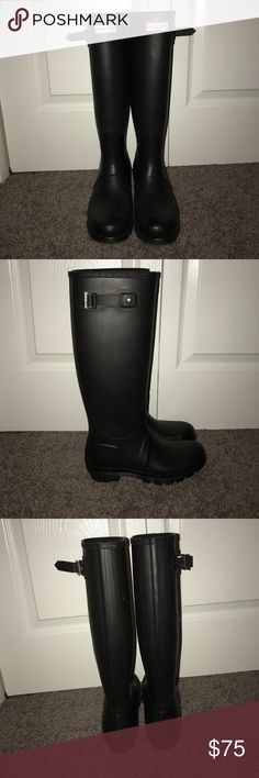 Hunter Rain Boots Perfect condition. Gently worn. Hunter Shoes Winter & Rain Boots
