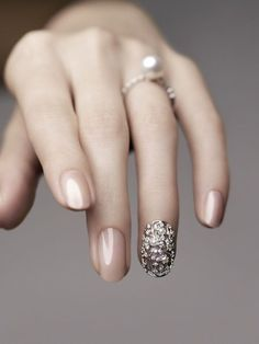 #Nude with sliver filigree accent nail