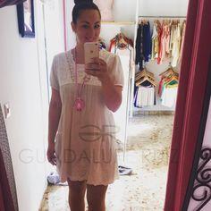 Boutique Guadalupe Ruiz. Envíos a toda España. • Vestido lino • Colgante camafeo, hecho a mano. Técnica soutache.