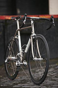 Vanilla Cycles Road bike by Sacha White Velo Vintage, Vintage Bikes, Buy Bike, Bike Run, Bmx, Velo Design, Road Bike Women, Bicycle Maintenance, Cool Bike Accessories